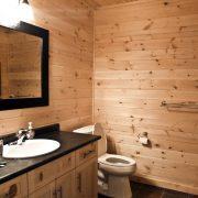 Tamarack Ridge bathroom